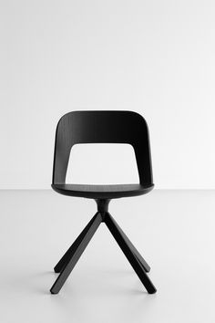 Launched last year by the Italian furniture company Lapalma, Arco is a chic and minimal chair brilliantly designed by Italian product designer Frances...