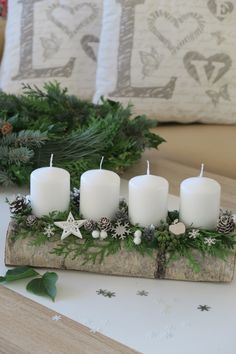 Christmas Advent Wreath, Silver Christmas Decorations, Christmas Candles, Christmas Centerpieces, Rustic Christmas, Christmas Diy, Outdoor Christmas Planters, Christmas Arrangements, Candle Arrangements