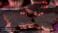 Biscuiti Black Bats de Halloween | food4party Black Bat, Bats, Cookies, Halloween, Desserts, Recipes, Food, Crack Crackers, Tailgate Desserts