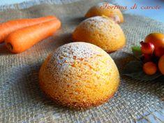 Soffici tortine perfette per una gustosa prima colazione o per una sana merenda.Le tortine di carote hanno un sapore delicato e un profumo inconfondibile