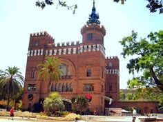 castell 3 dragons, museo zoologia Barcelona, Mansions, House Styles, Home Decor, Museums, Parks, Architecture, Mansion Houses, Homemade Home Decor