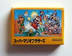13 de septiembre de 1985. Japón recibía el juego que cambiaría para siempre lo establecido en el mundo de los videojuegos de por aquel entonces. #Nintendo acaba de crear, bajó las directrices de la mente maestra de Shigueru #Miyamoto, Super Mario Bros. Un videojuego de plataformas para los todopoderosos 8 bits de Nintendo Famicom, la consola de videojuegos que batía récords de felicidad hogareña en todos los hogares japoneses.  Imagen: gameandgraphics