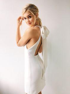 Wedding Bells, Wedding Gowns, Divas, Rehearsal Dinner Dresses, Tea Length Wedding Dress, Little White Dresses, Casual Wedding, Classy Outfits, Just In Case