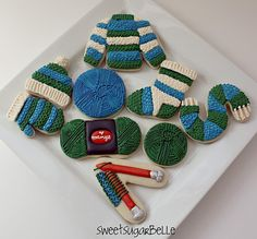 best knitting cookies I've ever seen.  She even has a skein of yarn with a label!!!
