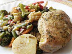 Filet z kurczaka z warzywami z patelni.