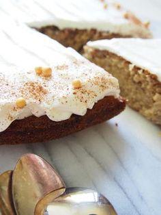 Dr. Sugar: Mehevä banaanikakku Pie, Sugar, Baking, Desserts, Foodies, Torte, Tailgate Desserts, Pastel, Patisserie