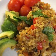 Poêlée riz aux légumes Sans Gluten, Fried Rice, Cobb Salad, Fries, Vegan, Chicken, Ethnic Recipes, Food, Cooks Illustrated Recipes