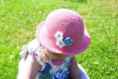 Crochet Baby Hat Patterns, Crochet Baby Hats, Knit Or Crochet, Crochet For Kids, Baby Knitting, Crochet Hooks, Crochet Summer Hats, Baby Bonnets, Crochet For Beginners