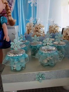 Dressed up favors at a Frozen birthday party! See more party planning ideas at… Elsa Birthday Party, Frozen Birthday Theme, Frozen Themed Birthday Party, Disney Birthday, Birthday Party Themes, Disney Frozen Party, Fete Emma, Festa Frozen Fever, Frozen Party Decorations