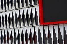San Mamés Stadium Bilbao Architects: ACXT-IDOM Cesar Azcarate Features: Lacquered Galvanized Steel New San Mamés Stadium #metaldeploye #Chapaperforada #chapaestampada #metalperforado #fachadaventilada #metalexpandido #chapamicroperforada #malladeploye #fachadasmetalicas San Mamés, Metal Facade, Bilbao, Facades, How To Memorize Things, Architecture, Metal Fabrication, Perforated Metal, Piercing