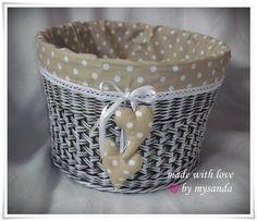 Newspaper Basket, Newspaper Crafts, Sewing Baskets, Wicker Baskets, Home Crafts, Diy And Crafts, Paper Shaper, Origami Box Tutorial, Basket Labels