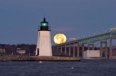 Narragansett Bay, Goat Island Lighthouse and Newport Bridge. asergeev.com