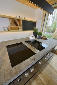 Arbeitsplatte in der Küche mit Bora Dunstabzug