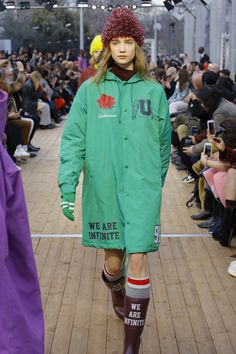 Undercover Fall 2018 Ready-to-Wear Fashion Show Collection Fashion Design Template, Autumn Fashion 2018, Fashion Show Collection, Undercover, Fall 2018, Streetwear Fashion, Womens Fashion, Fashion Trends, Vogue