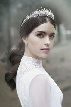 8 Simple But Beautiful Wedding Hairstyles 2017   Hairstyles Trending