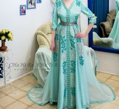 Ethnic Fashion, Hijab Fashion, Fashion Dresses, Traditional Fashion, Traditional Dresses, Everything Designer, Edwardian Dress, Moroccan Caftan, Caftan Dress