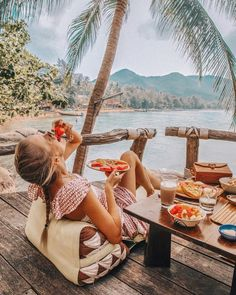 "Gefällt 71.8 Tsd. Mal, 901 Kommentare - Leonie Hanne (@ohhcouture) auf Instagram: ""Tropical breakfast in paradise with lots of fresh fruits! To feel carefree while traveling to…"""