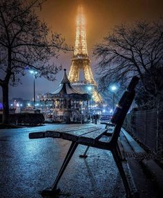 Tour Eiffel, Paris Torre Eiffel, Paris At Night, Paris France, Beautiful World, Beautiful Places, France Eiffel Tower, Eiffel Towers, Montmartre Paris