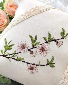Monogram Cross Stitch, Cross Stitch Heart, Cross Stitch Flowers, Cushion Embroidery, Embroidery Patterns, Hand Embroidery, Modern Cross Stitch Patterns, Cross Stitch Designs, Cross Stitching
