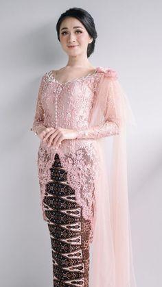 Kebaya Lace, Kebaya Hijab, Kebaya Brokat, Kebaya Muslim, Dress Brokat Modern, Kebaya Modern Dress, Model Dress Kebaya, Model Kebaya Modern, Kebaya Wedding
