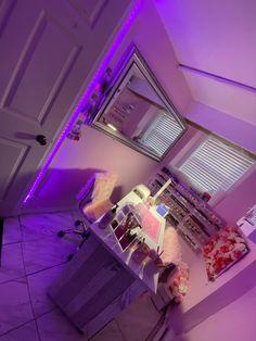 Beauty Room Salon, Beauty Room Decor, Home Nail Salon, Nail Salon Decor, Cute Bedroom Ideas, Room Ideas Bedroom, Nail Room, First Apartment Decorating, Salon Interior Design