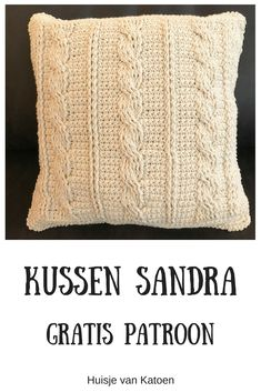 Crocheted cable cushion with free pattern. - Crocheted cable cushion with free pattern. Crochet Cape, Crochet Pillow, Baby Blanket Crochet, Hand Crochet, Crochet Hooks, Beginner Knitting Patterns, Crochet Patterns For Beginners, Knitting Stitches, Free Knitting