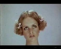 Great video of Twiggy modelling and dancing capturing an era - She's definitely got the Hornby eyes.