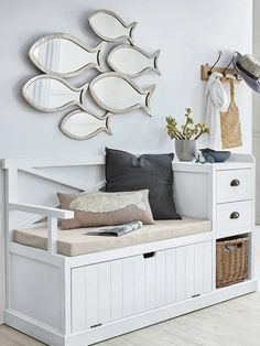 Like a fish in the decor Joli Place Deco Marine, Hall Furniture, House By The Sea, Style Deco, Beach House Decor, Home Decor, Coastal Decor, Home Organization, My Room