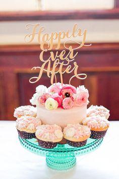 A Vintage Princess at The Victorian Garden Princess Wedding Cakes, Small Wedding Cakes, Themed Wedding Cakes, Amazing Wedding Cakes, Wedding Cake Rustic, Wedding Cakes With Cupcakes, Wedding Cakes With Flowers, Elegant Wedding Cakes, Victorian Gardens