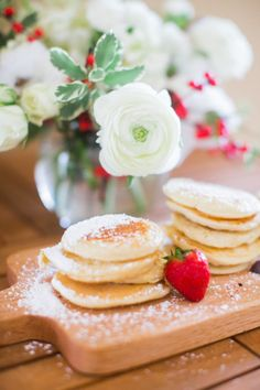Pancakes and pretty florals: http://www.stylemepretty.com/living/2014/12/10/wintry-gender-reveal-party/ | Photography: Jordan Brittley - http://jordanbrittley.com/