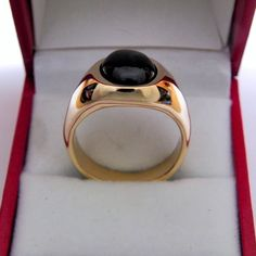 White Gold Jewelry, Yellow Gold Rings, White Gold Diamonds, Black Sapphire, Star Sapphire, Royal Purple Color, Types Of Gold, Gemstone Colors, Gemstone Rings