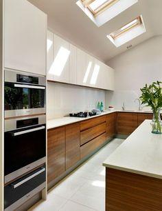 I quite like this eye-catching wood kitchen cabinets Kitchen Room Design, Kitchen Cabinet Design, Modern Kitchen Design, Home Decor Kitchen, Interior Design Kitchen, Interior Ideas, Luxury Kitchens, Home Kitchens, Kitchen Modular