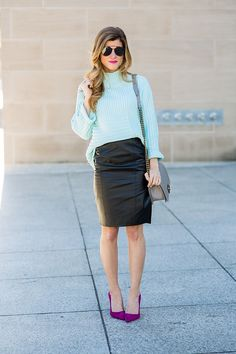 Pencil Skirt will make you looks chic and sexy, but can you imagine if it is Leather Pencil Skirt? This type of skirt will make you look gorgeous. Moreover, this type of skirt is perfect for Work outfit and you can use it to stunned your colleague. Sweater Skirt Outfit, Black Leather Pencil Skirt, Leather Skirts, Pencil Skirt Outfits, Pencil Skirts, Purple Pumps, Black Sleeveless Top, Chic Outfits, Work Outfits