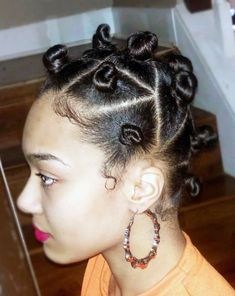 Bantu Knots styles are aminly used by the black women and girls alomg with the white women and girls. Its worn on short natural curl or straight hair. African American Women Hairstyles, African Hairstyles, Black Women Hairstyles, Straight Hairstyles, Bantu Knot Styles, Bantu Knot Out, Short Natural Curls, Natural Hair Braids, Damp Hair Styles
