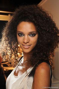 Dica do Proença: cabelos crespos podem usar óleo capilar?