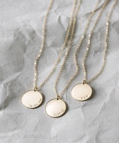 Diy Birthday Gifts Discover Personalized Name Necklace - Large Coin Pendant with Custom Inscription - names initials dates - Disk - Gold Silver or Rose - Gold Circle Necklace, Coin Pendant Necklace, Name Necklace, Necklace Lengths, Gold Pendant, Key Pendant, Pendant Lights, Modern Jewelry, Gold Jewelry