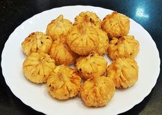 Celebrate the festive season with some Unique Modak Recipes for Ganesh Chathurthi - for the family to enjoy and to gift friends and relatives as well! Oil Painting Tips, Painting Art, Watercolor Painting, Modak Recipe, Cupcake Decorating Tips, Indian Dessert Recipes, Recipe Today, Food Festival, Food Videos