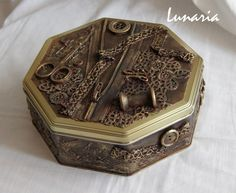 casket for thread spools by own hands 08 Altered Boxes, Altered Art, Easy Crafts, Diy And Crafts, Steampunk Crafts, Decoupage Vintage, Vintage Sewing, Sweet 16 Parties, Sewing Box