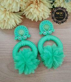 Jewelry Design Earrings, Jewelry Art, Women Jewelry, Soutache Earrings, Crochet Earrings, Rakhi Design, Peacock Art, Black Earrings, Wedding Earrings