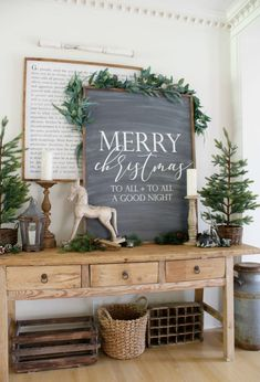 holiday inspiration Learn our top 7 best designer tips to create a festive holiday home. My Christmas home tour showcases designer inspiration, easy amp; inexpensive decorating ideas, and our favorite shopping sources. Christmas Signs, Country Christmas, All Things Christmas, Winter Christmas, Christmas Home, Christmas Crafts, Christmas Decorations, Apartment Christmas, Outdoor Christmas