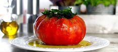 Solomillo de tomate macerado | Recetas El Comidista EL PAÍS Queso Fresco, Vegetarian Recipes, Pasta, Vegetables, Cooking, Food, Drink, Stuffed Tomatoes, Food And Wine
