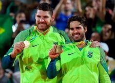 Blog Esportivo do Suíço:  Alison e Bruno fazem Brasil voltar ao topo no vôlei de praia após 12 anos