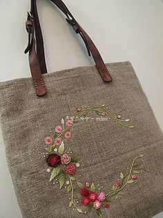 Embroidery Sampler, Embroidery Bags, Hand Embroidery Stitches, Learn Embroidery, Embroidery Patterns, Cute Tote Bags, Brazilian Embroidery, Craft Bags, Coin Bag