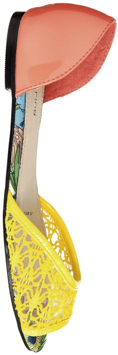 cute lace shoes - http://www.boomerinas.com/2015/03/13/lace-is-still-hot-modern-ways-to-wear-lace-for-spring-summer-2015/
