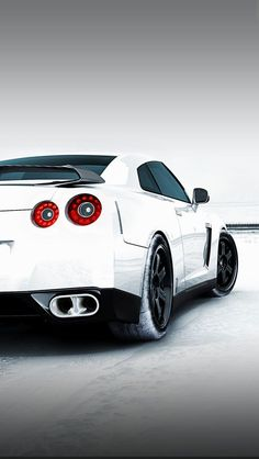 Nissan GT-R R35 iPhone5 wallpaper #iphonewallpaper #Nissan #GTR