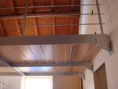 soppalco in legno Metal Beam, Sleeping Loft, Bedroom Loft, Ceiling Beams, Tiny House, Farm House, Front Porch, Ideas Para, Barbecue