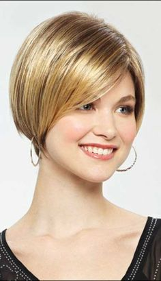 Bob Haircuts : Inverted Bob Haircuts with Bangs Short Inverted Bob . Short Inverted Bob Haircuts, New Short Hairstyles, Hairstyles With Bangs, Straight Hairstyles, Cool Hairstyles, Short Bobs, Pixie Haircuts, Hairstyle Ideas, Beehive Hairstyle