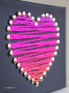 Yarn Heart Art - Repeat Crafter Me A canvas frame, thumbtacks, and a bit of variegated yarn makes a quick and easy piece of heart art that is perfect for the season of love Crafts For Teens, Arts And Crafts, Repeat Crafter Me, Diy Canvas, Canvas Frame, Canvas Ideas, Canvas Art, Valentine Day Crafts, Craft Ideas