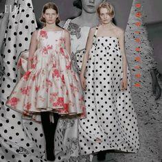 #ELLEshowtime #발렌시아가 의 CD #뎀나 의 동시대적 감성으로 재탄생한 풍성한 볼륨 드레스들@balenciaga  via ELLE KOREA MAGAZINE OFFICIAL INSTAGRAM - Fashion Campaigns  Haute Couture  Advertising  Editorial Photography  Magazine Cover Designs  Supermodels  Runway Models