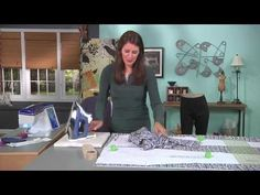 Angela Wolf shows how to embellish jeans with free motion embroidery as seen on It's Sew Easy tv. This is a great way to update or upcycle an old pair of jea. Sewing Basics, Sewing For Beginners, Basic Sewing, Sewing Pants, Sewing Clothes, Serger Projects, Sewing Projects, Sewing Tutorials, Sewing Tips